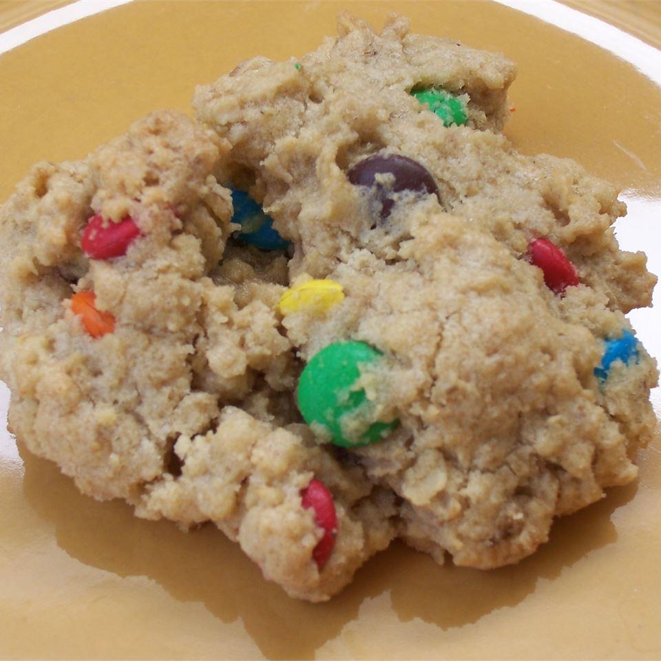 Oatmeal MM Cookies Tricia