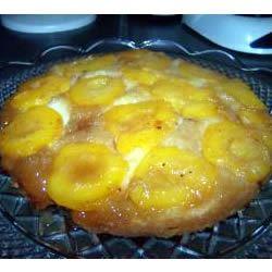 Peach Upside Down Cake I TAVIAJLS