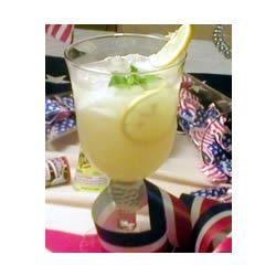 Pineapple Lemonade Spritzers IMVINTAGE
