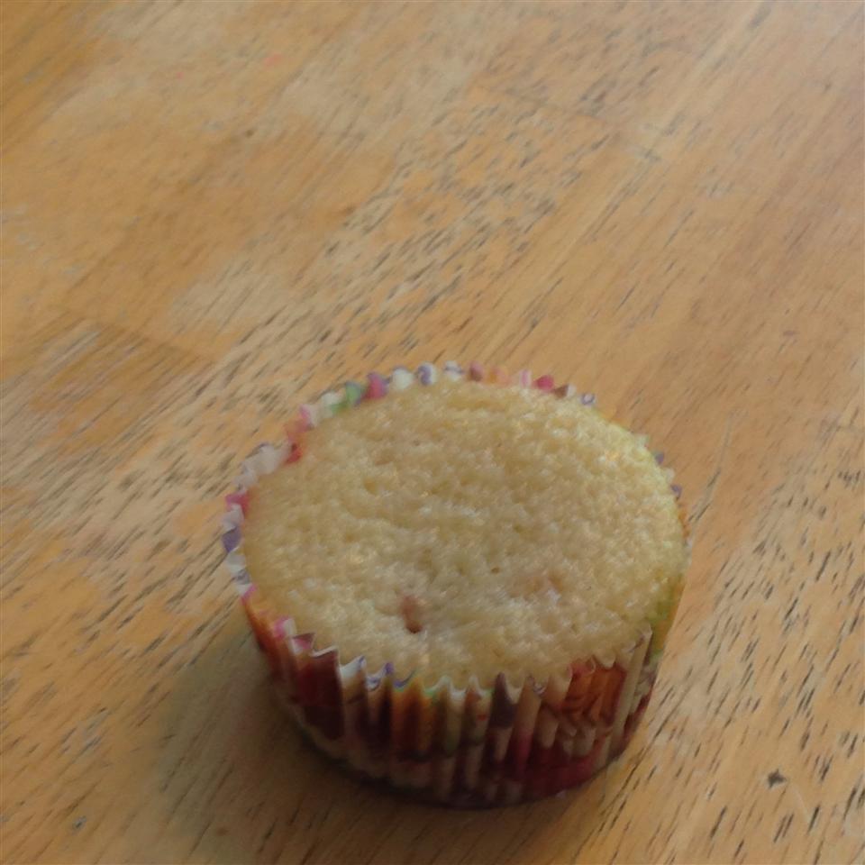 One Bowl Lemon Cupcakes yumyum123