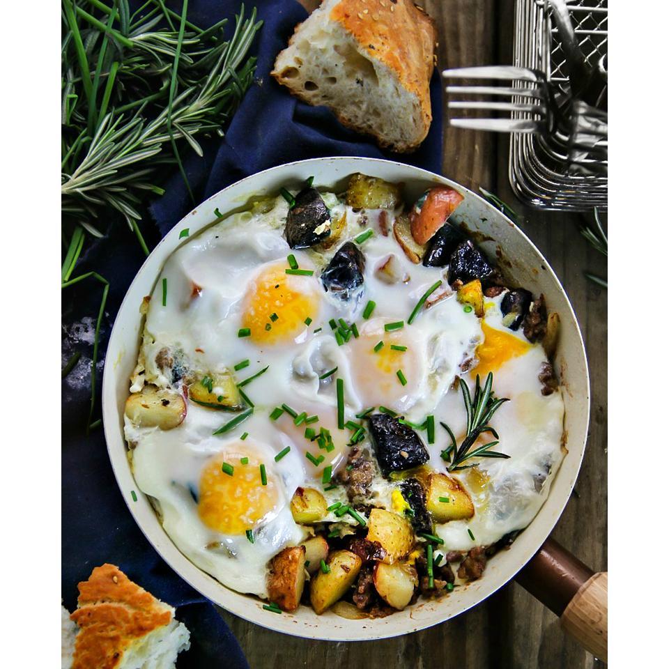 Cowboy Skillet: New Potato Medley, Italian Sausage & Eggs