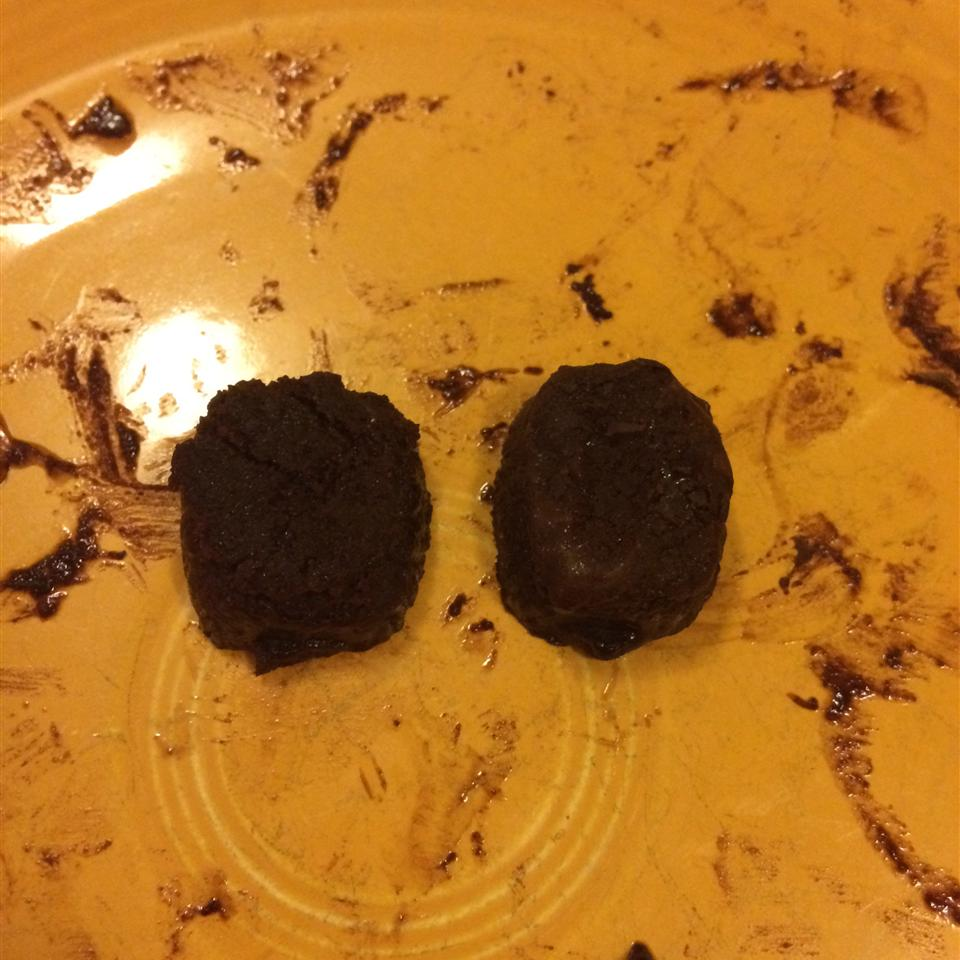 Homemade Melt-In-Your-Mouth Dark Chocolate (Paleo)