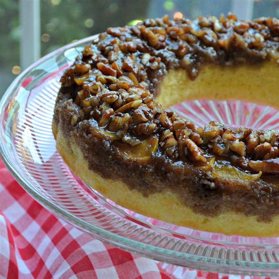 Peach Amaretto Upside-Down Cake sueb