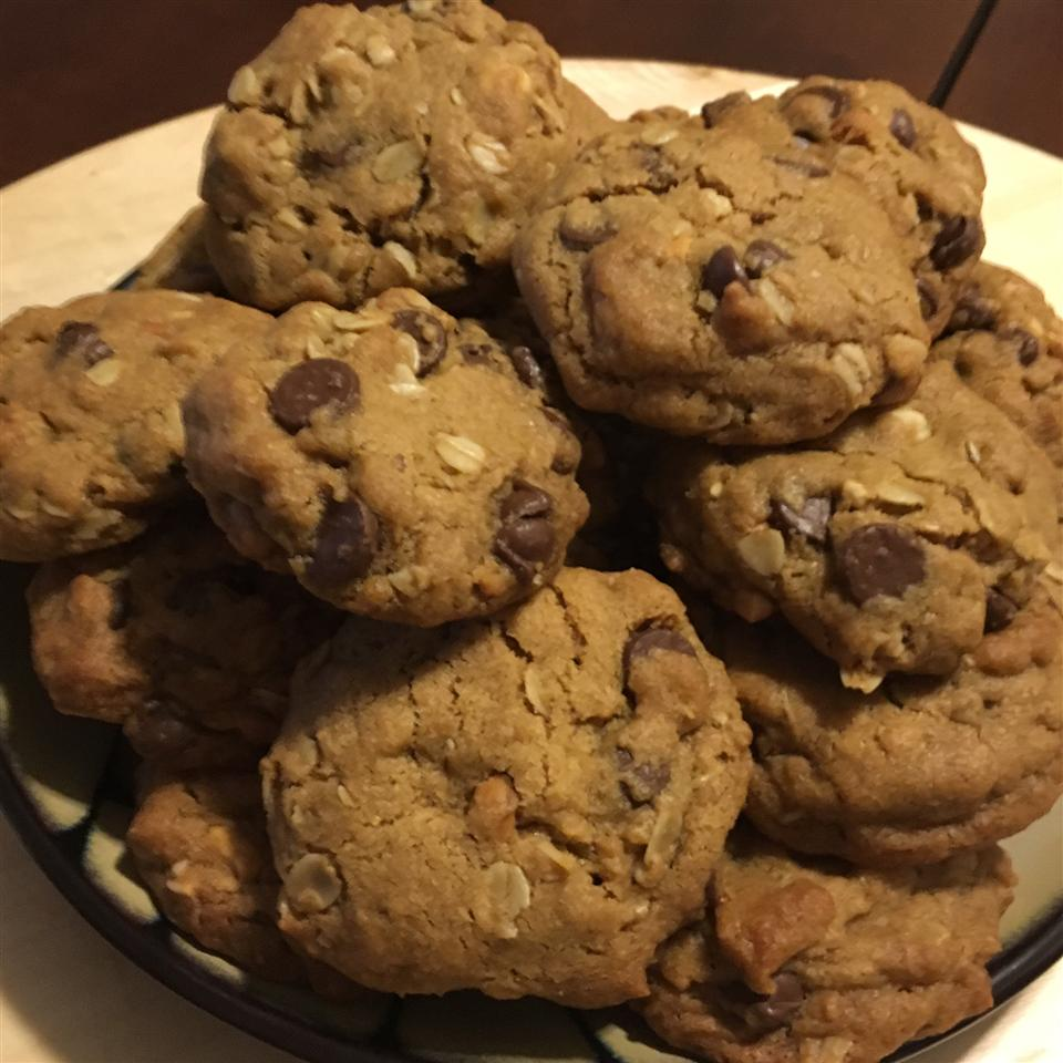Outrageous Chocolate Chip Cookies shinenatural