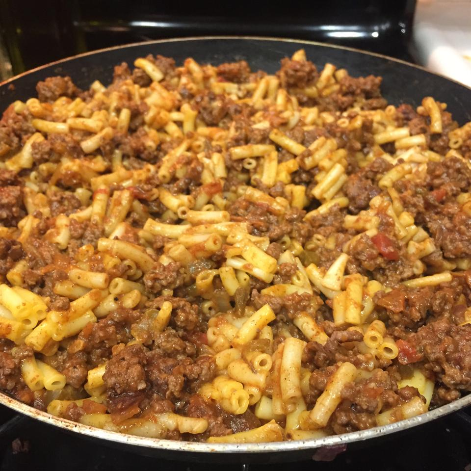 Macaroni and Cheese with Ground Beef, Salsa and Green Chiles Melissa