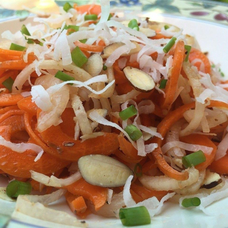 Spiralized Carrot and Radish Salad with Peach Vinaigrette
