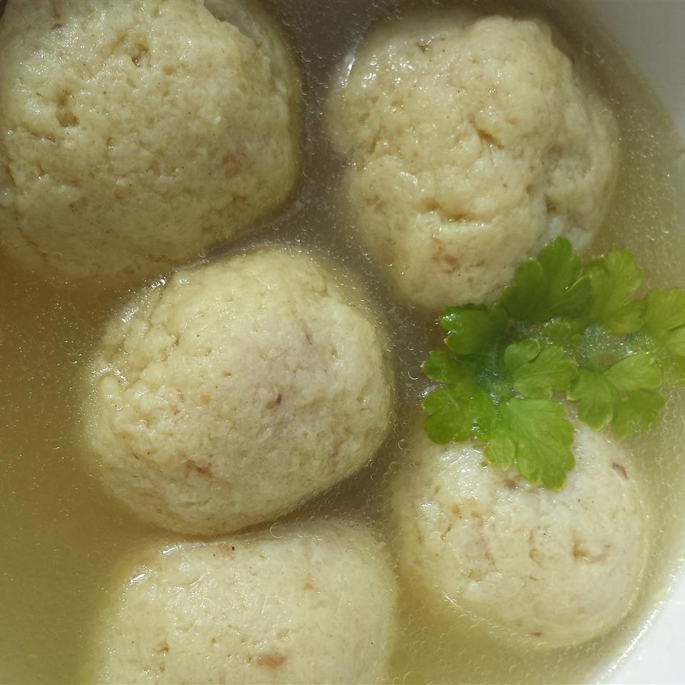Oma's Fabulous Matzo Ball Soup Liz Dalton 'Lizzie'