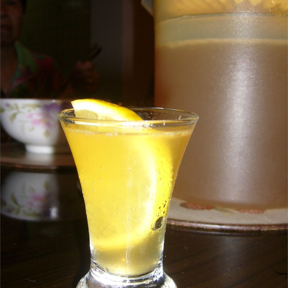 Pineapple Lemonade Spritzers
