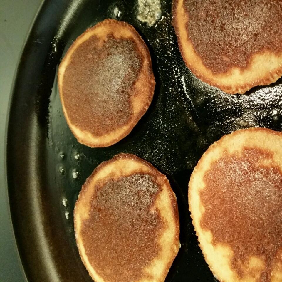 Paleo Applesauce Pancakes R White