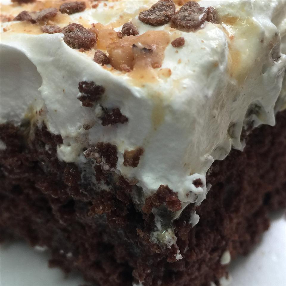 Chocolate Butterfinger-Caramel Cake