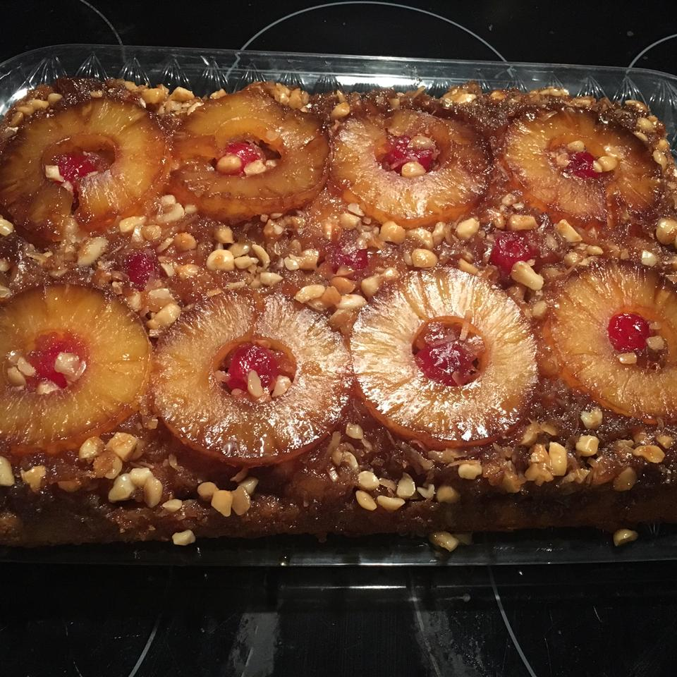 Hawaiian Pineapple Upside Down Cake thonesto