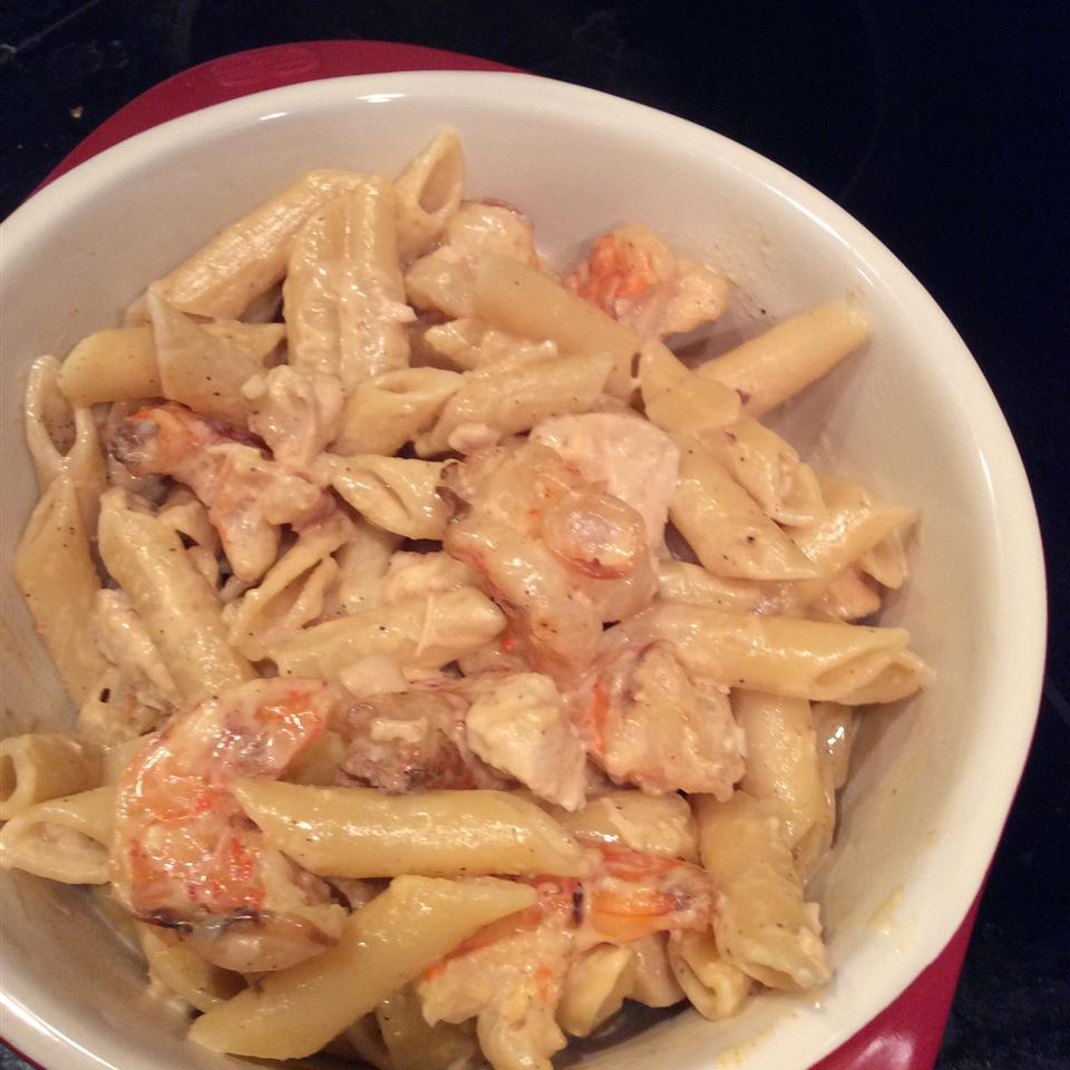 Grilled Shrimp and Chicken Pasta msgalfriend