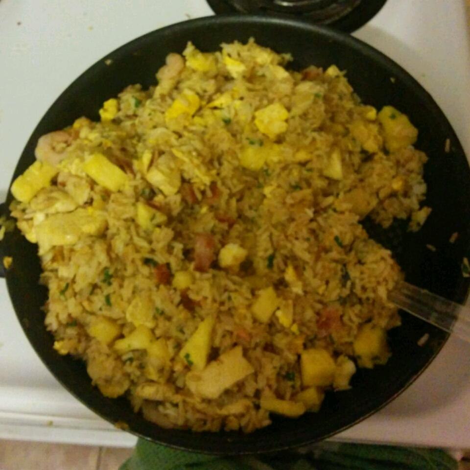 Thai Fried Rice with Pineapple and Chicken Jay Hennessy