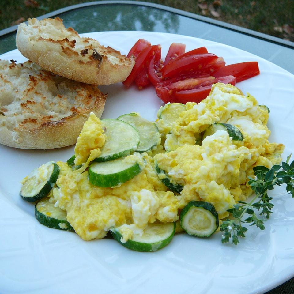 Zucchini with Egg Molly
