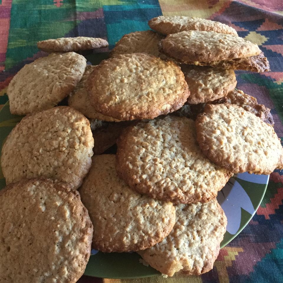 Excellent Oatmeal Cookies Roselia