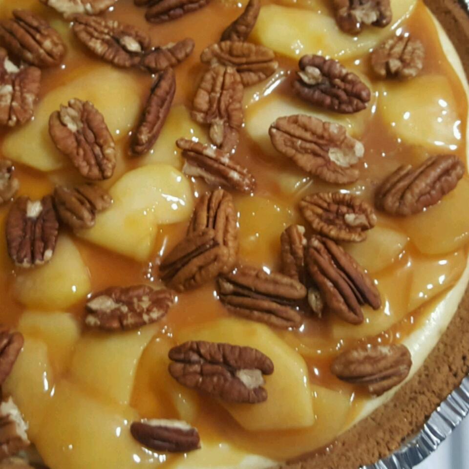 Caramel Apple Cheesecake chell