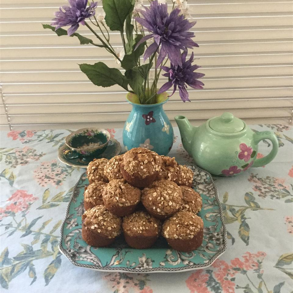 Pumpkin Muffins with Streusel Topping ladylfeeney