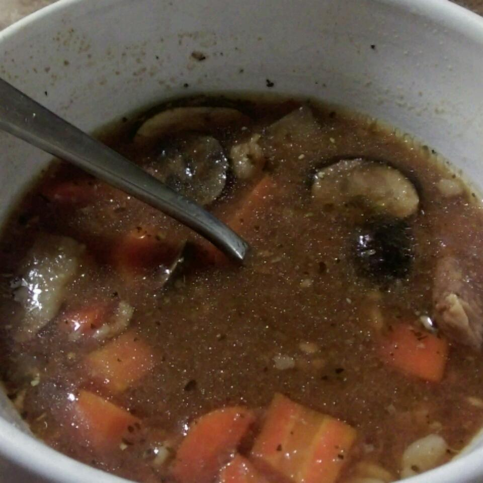 Kelly's Slow Cooker Beef, Mushroom, and Barley Soup Steph