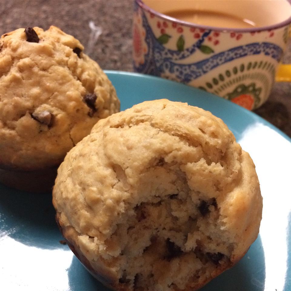 Oatmeal Chocolate Chip Muffins jessFu