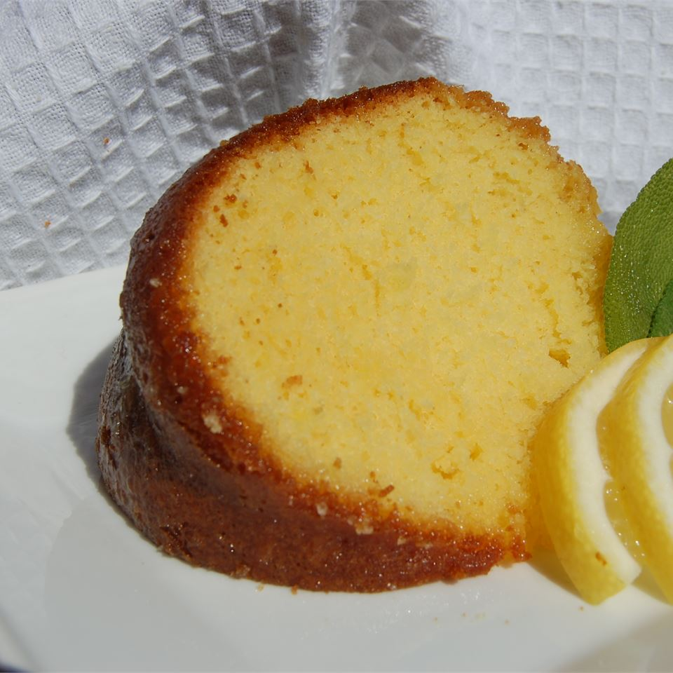 Lemonade Cake II MomTo6
