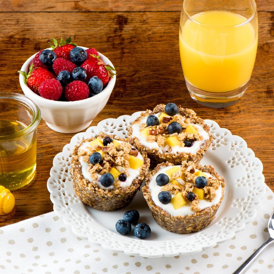 Quaker® No-Bake Granola and Yogurt Tarts Quaker