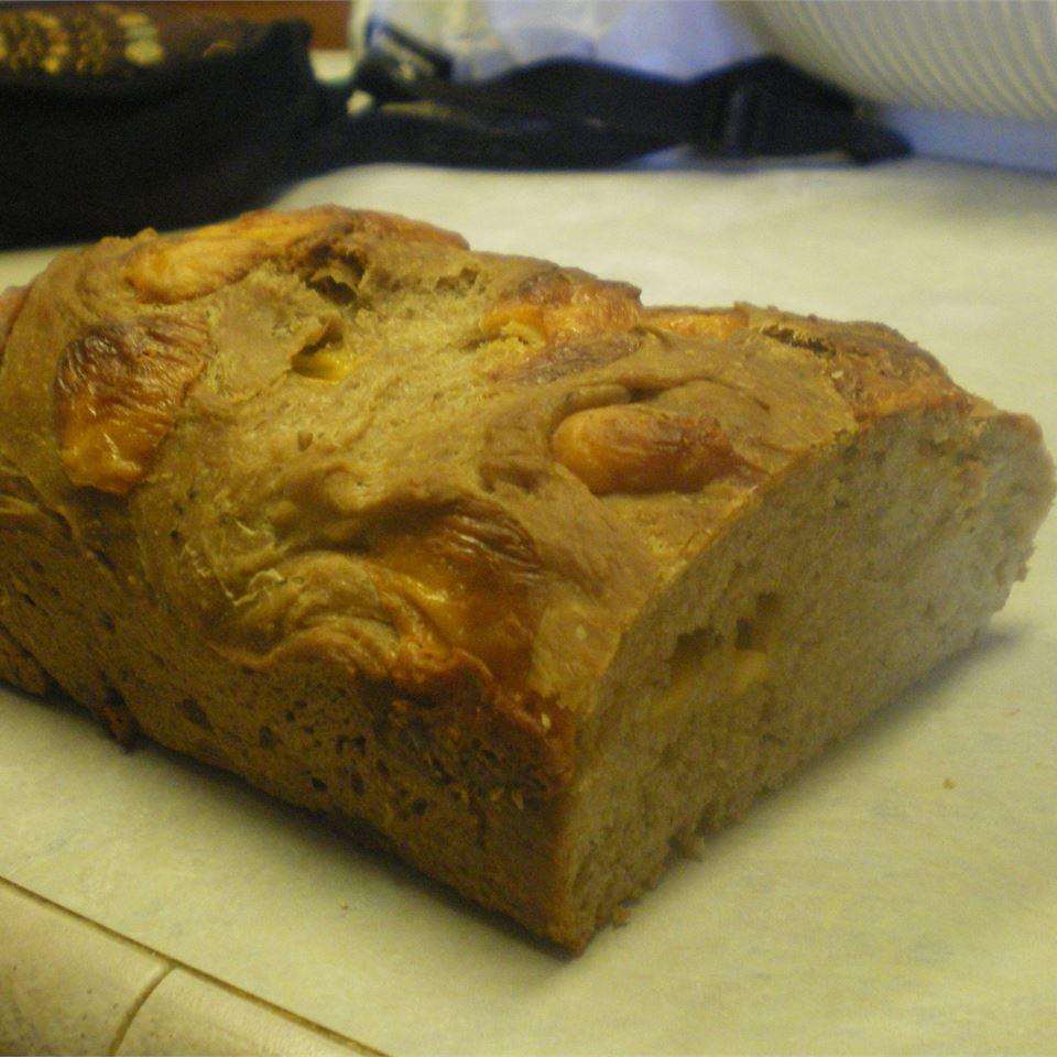 Una's Cheddar Beer Bread shep