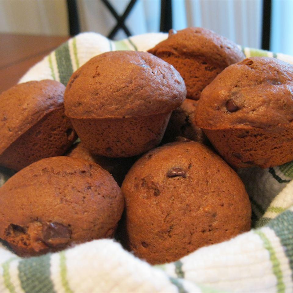 Fudgy Chocolate Chip Muffins heather88