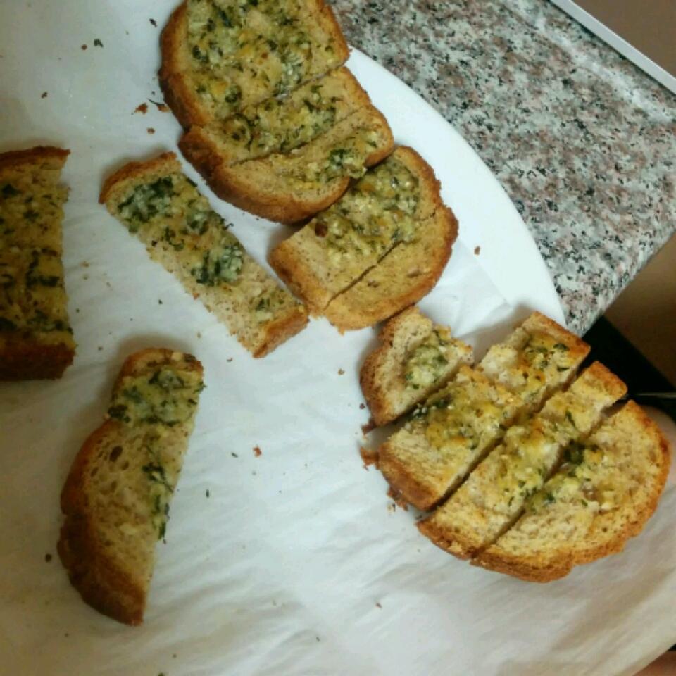 Make-Ahead Garlic Toast Teri Wu