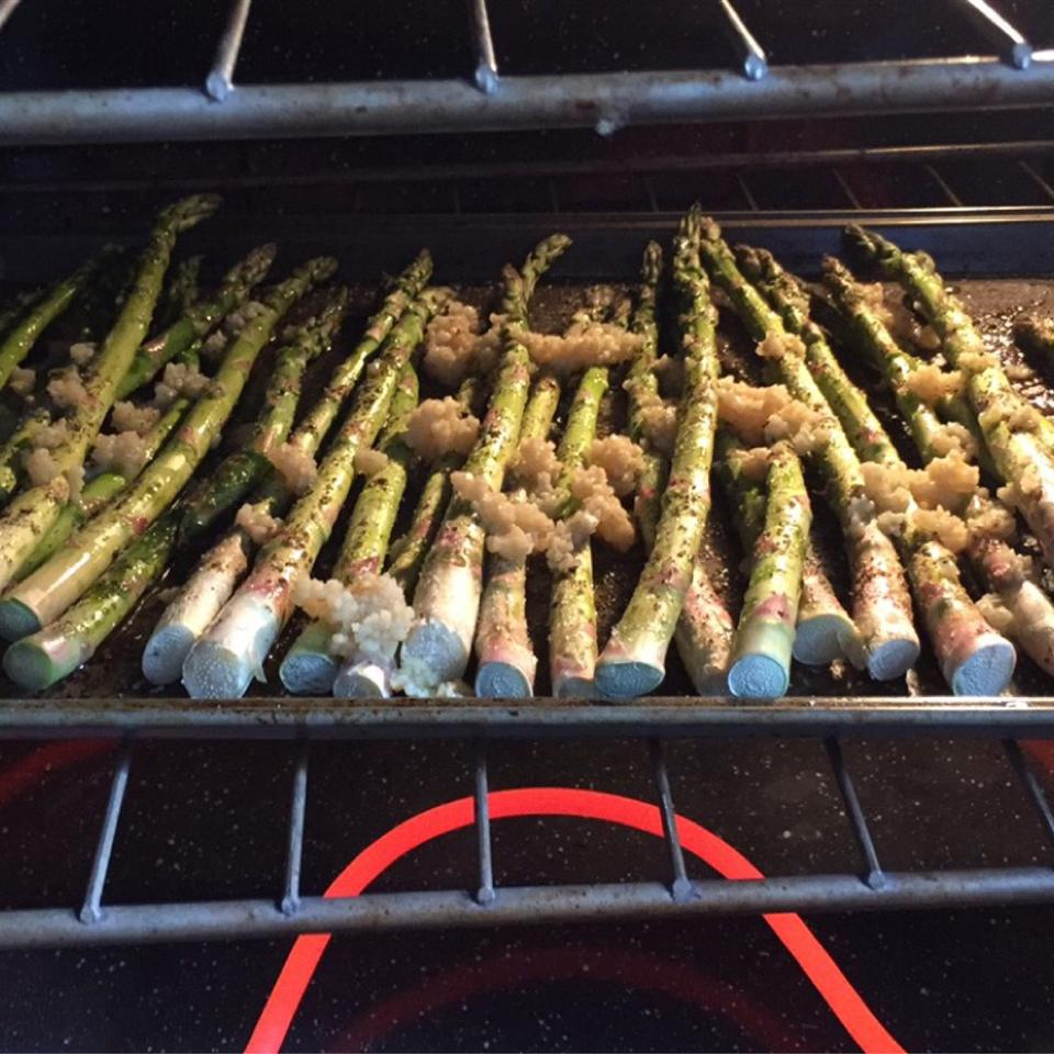 Oven-Roasted Asparagus Stacey Seufert