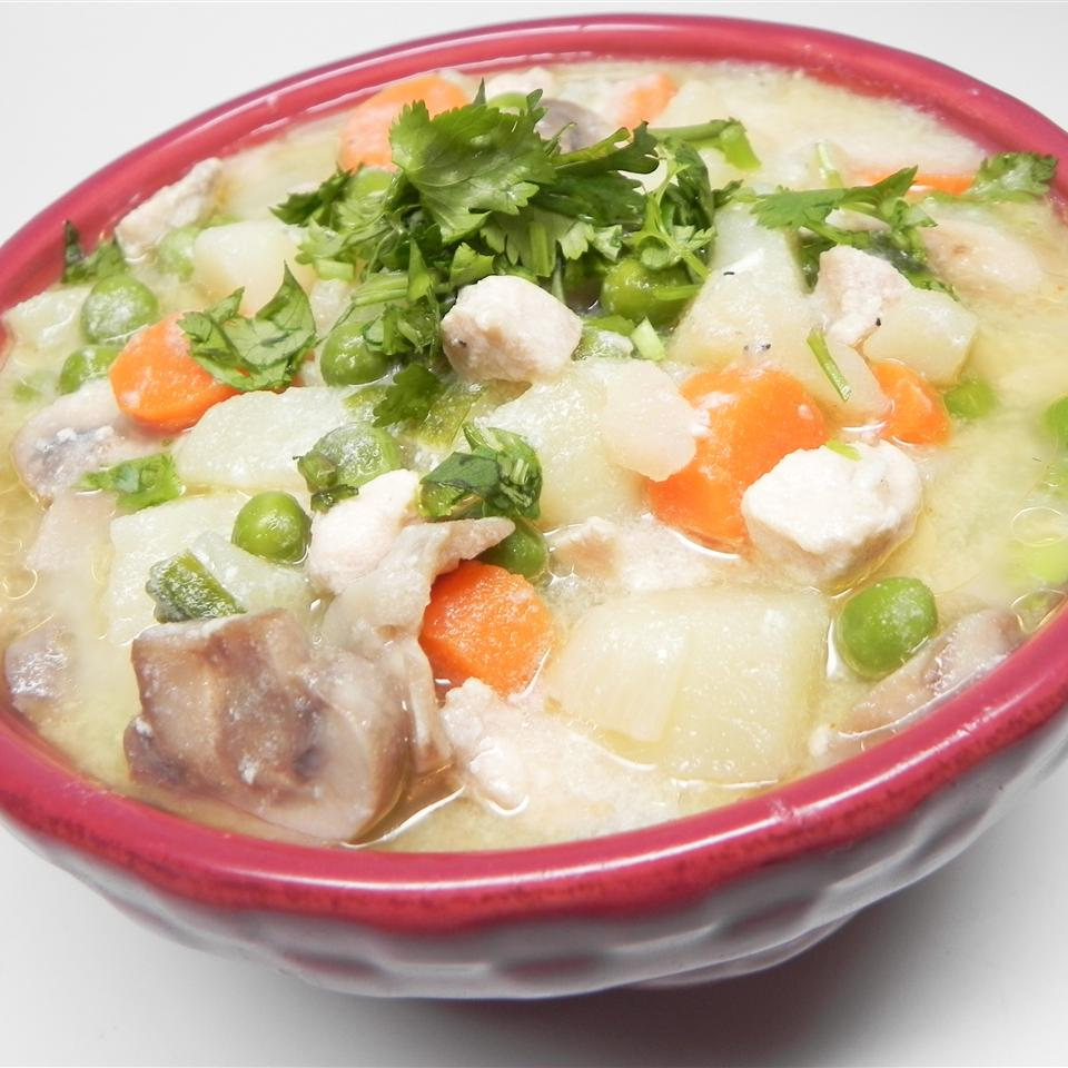 Mom's Comforting Chicken Stew