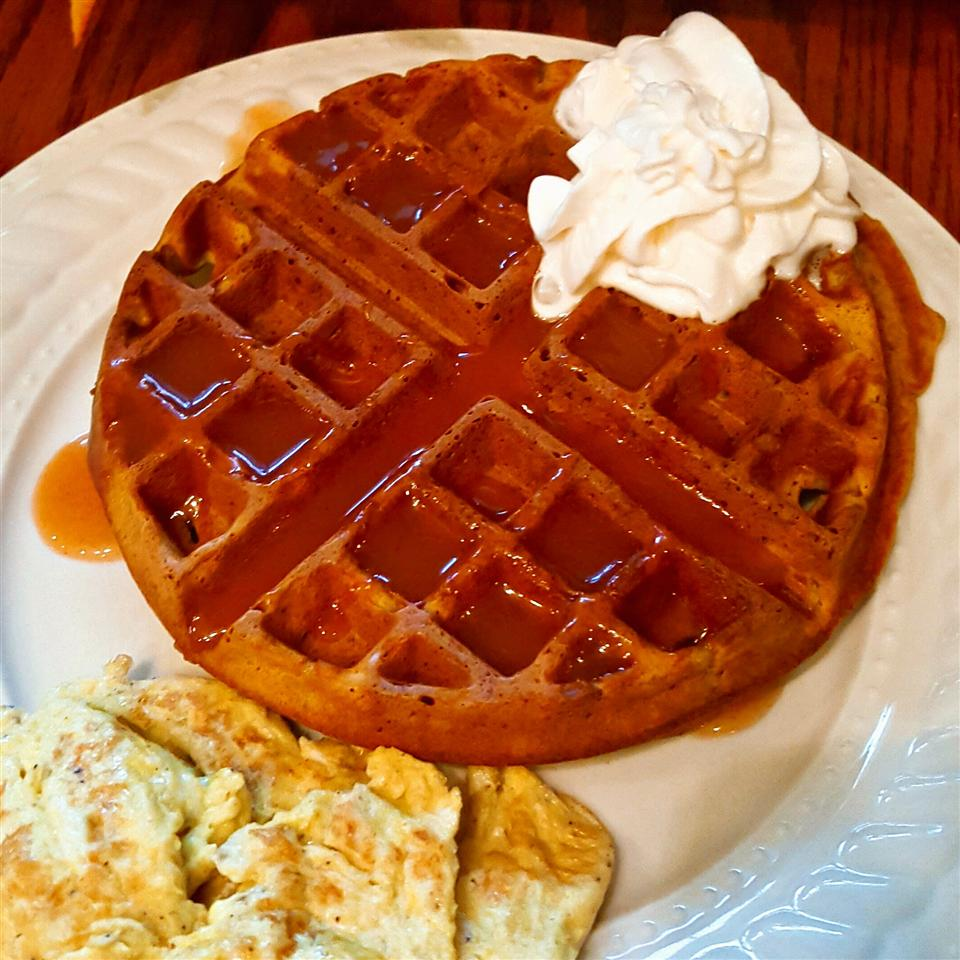 Pumpkin Waffles with Apple Cider Syrup duboo