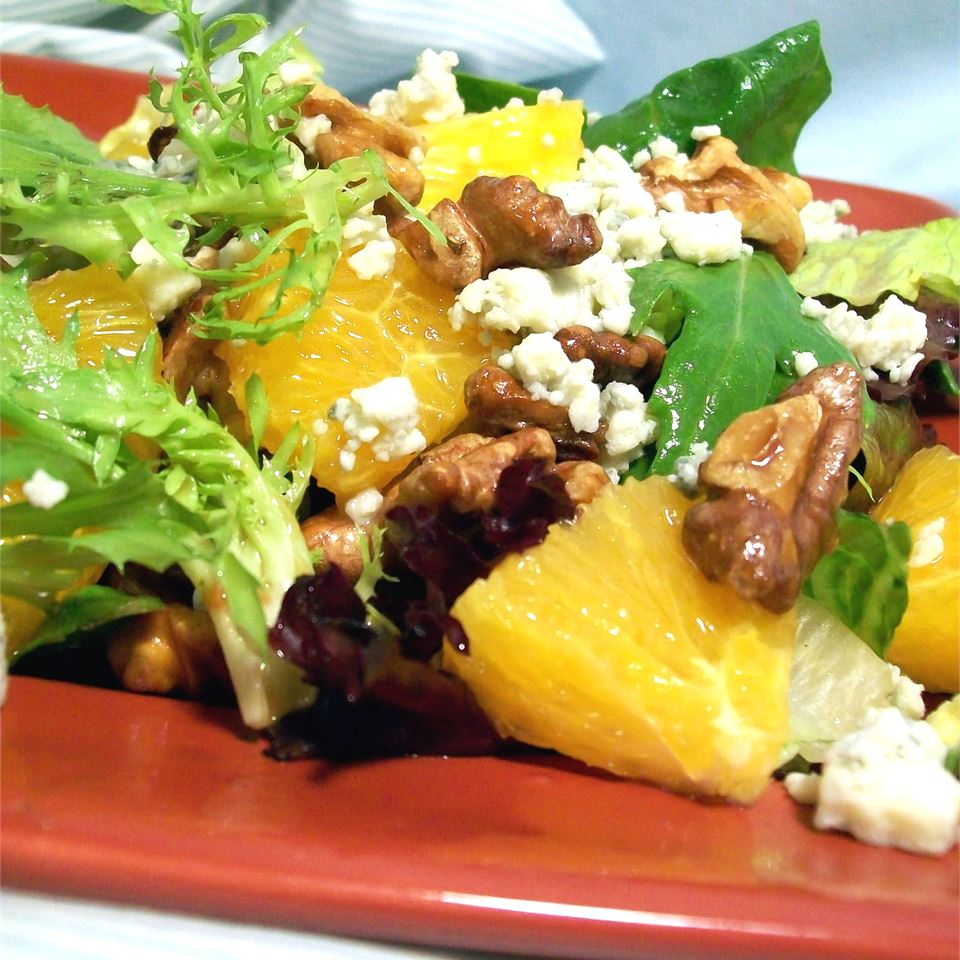 Orange, Walnut, Gorgonzola and Mixed Greens Salad with Fresh Citrus Vinaigrette SunnyByrd