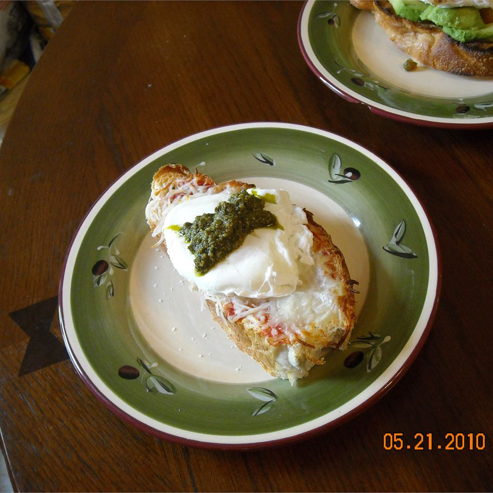 Poached Eggs Caprese ~TxCin~ILove2Ck