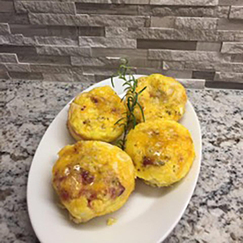 Bacon & Egg Biscuit Cups
