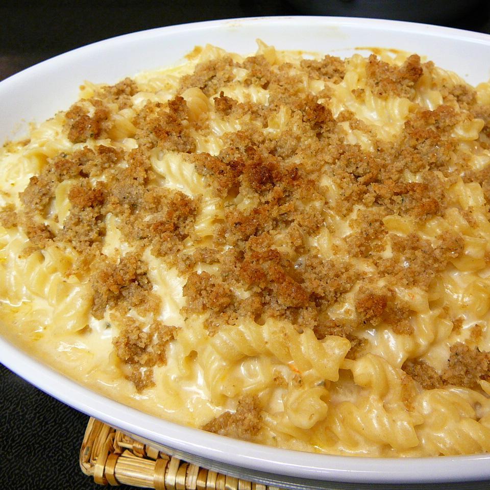 Kicked Up Mac and Cheese