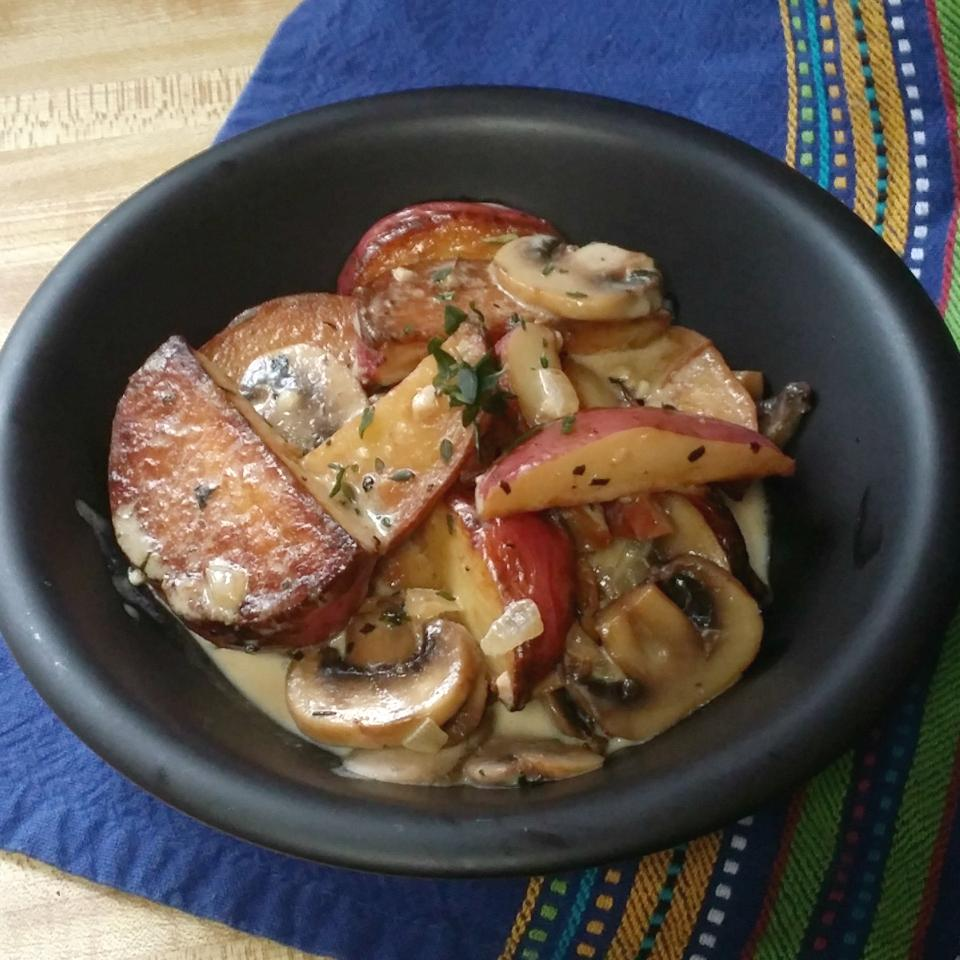 Pan Fried Fingerling Potatoes with Wild Mushroom Sauce MariaTheSoaper