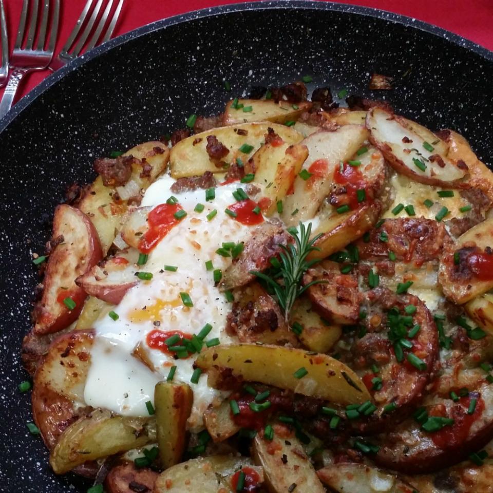 Cowboy Skillet: New Potato Medley, Italian Sausage & Eggs MariaTheSoaper