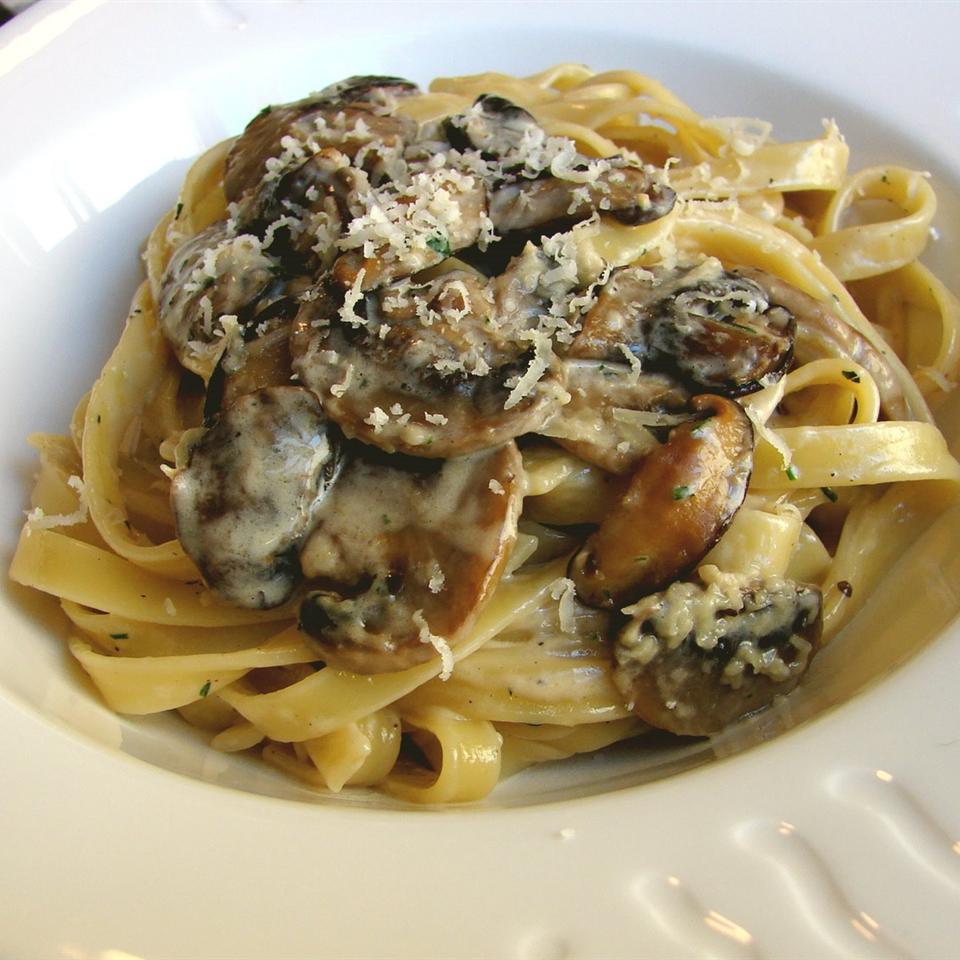 Chef John S Creamy Mushroom Pasta Allrecipes