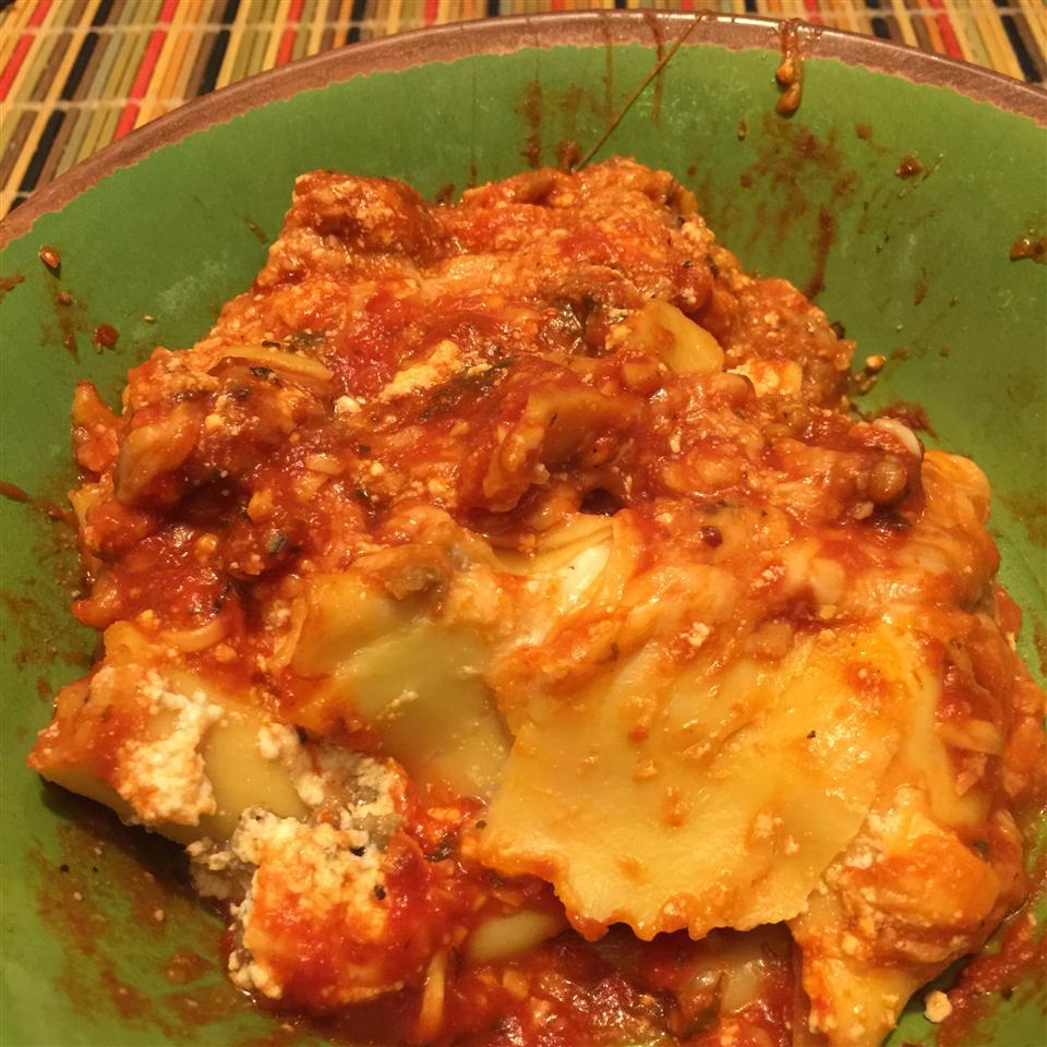 Slow Cooker Lasagna elle3270