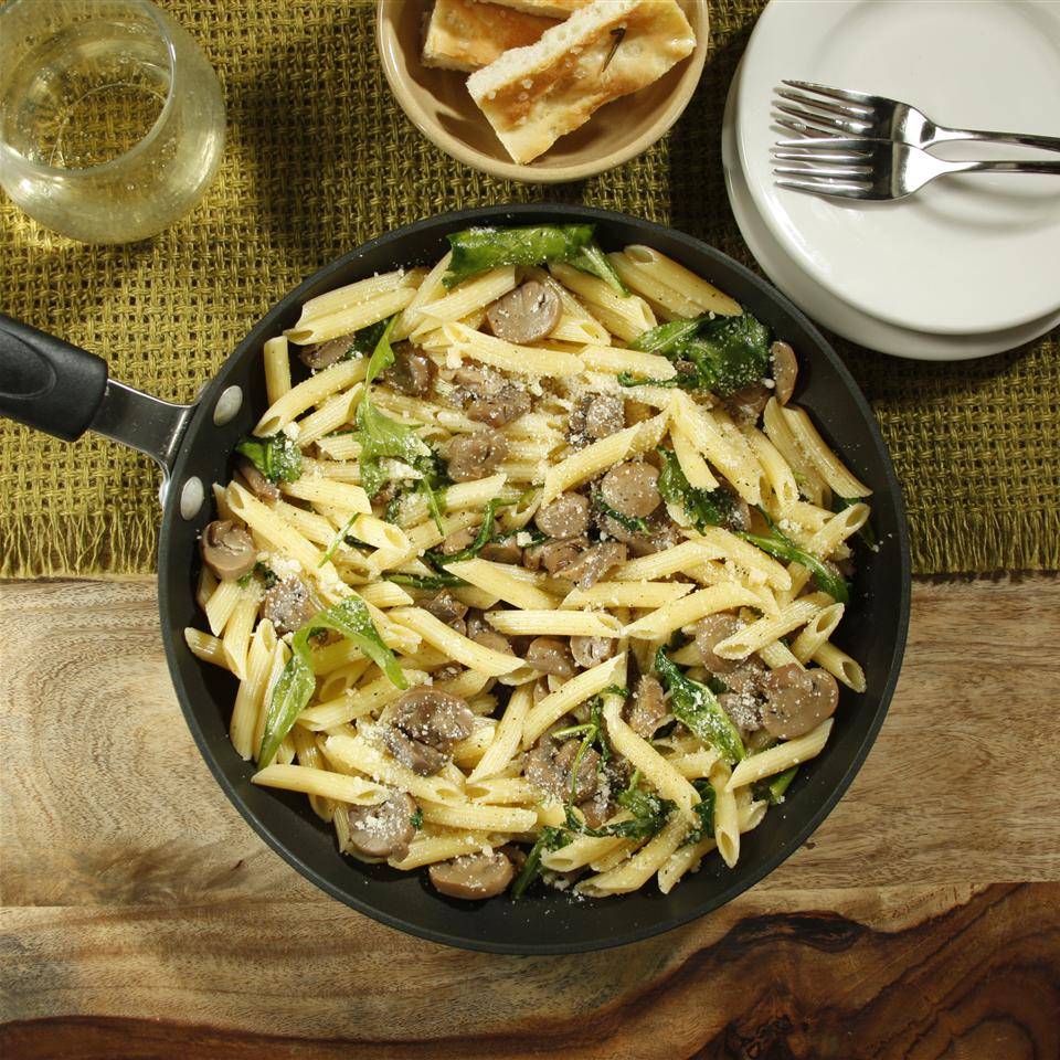 Jen's One Pan Penne with Mushrooms and Arugula