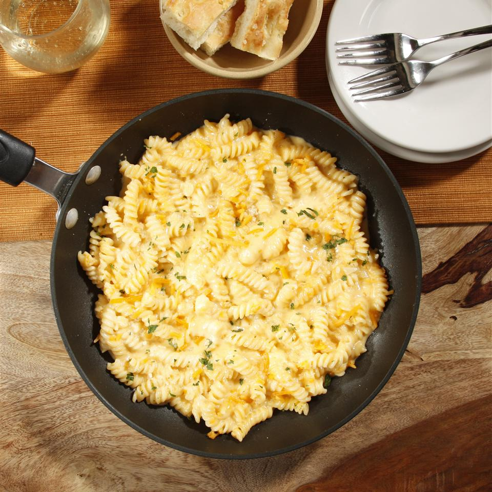 Cheesy One Pan Mac And Cheese from Barilla®