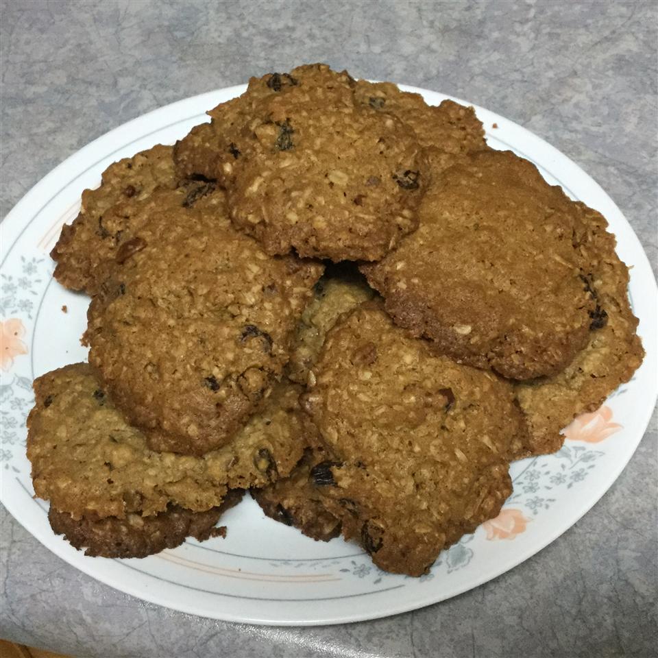 World's Best Oatmeal Cookies Carolyn