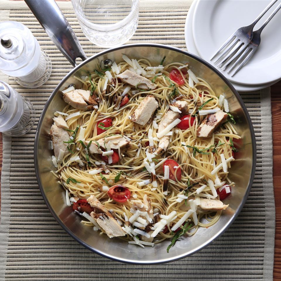 Greg's Easy Spaghetti with Balsamic Chicken Barilla Canada