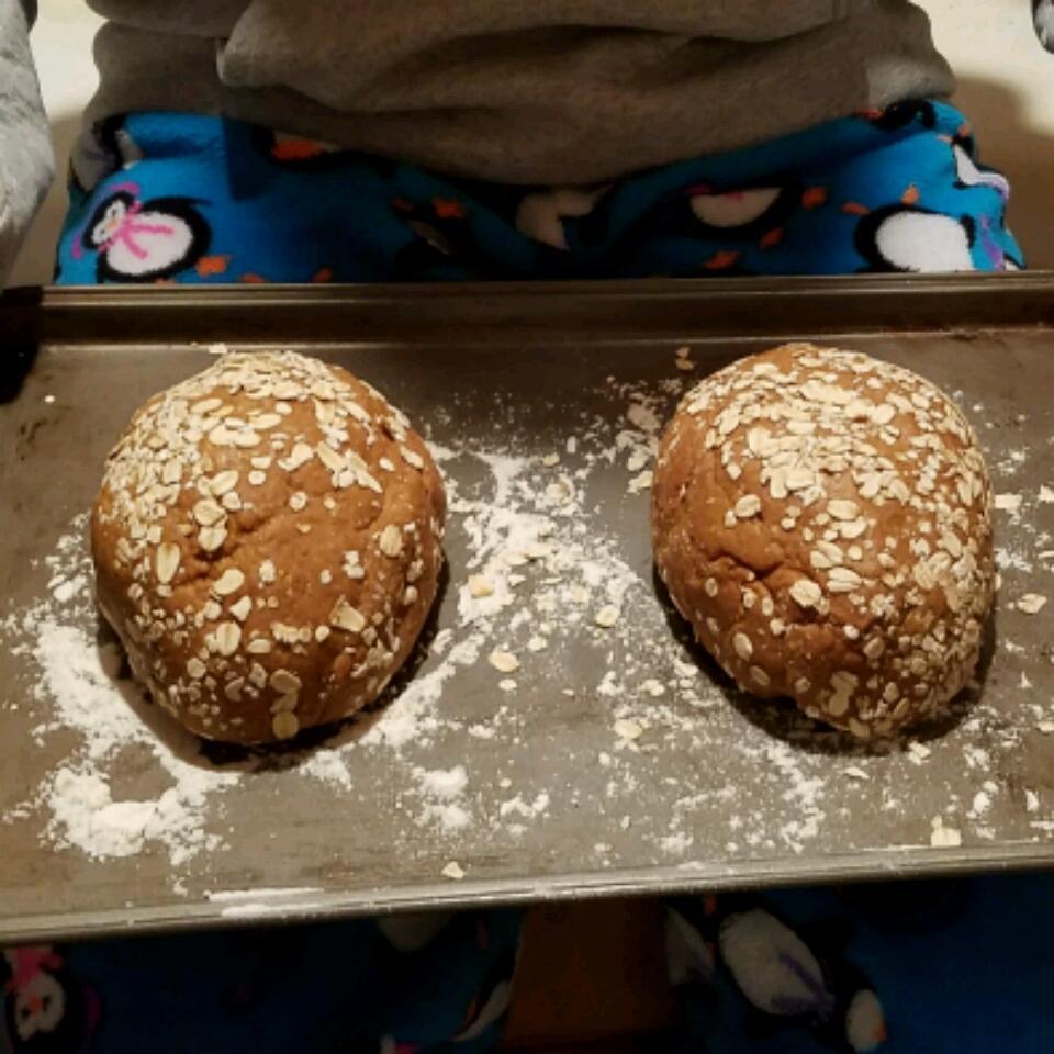 Molasses-Oat Bran Bread Lee Green