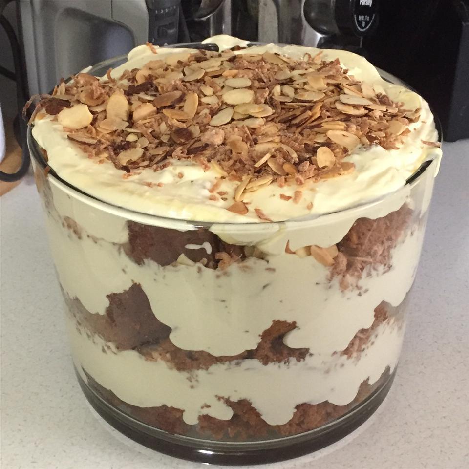 Carrot Cake Trifle akw04001