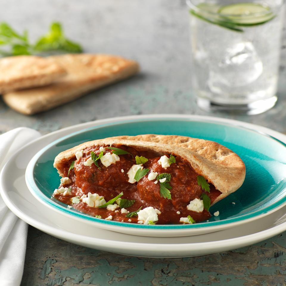 Slow Cooker Mediterranean Meatball Pitas