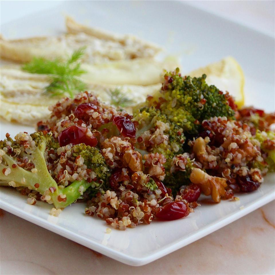Cranberry Quinoa Salad with Broccoli Emma