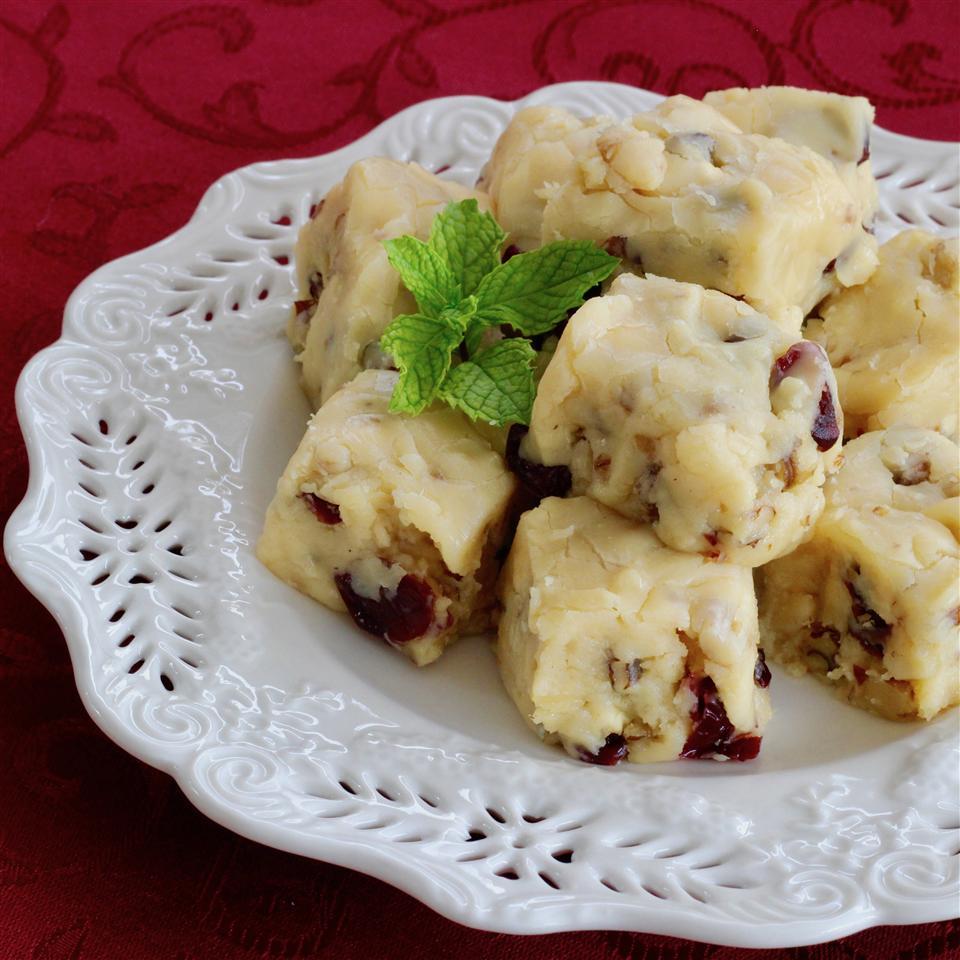 White Cranberry Walnut Nutmeg Fudge lutzflcat