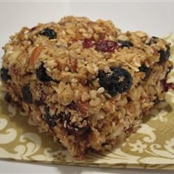 Blueberry-Almond Energy Bars Mommyto3