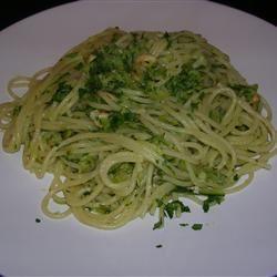 Spaghetti with Zucchini and Almonds